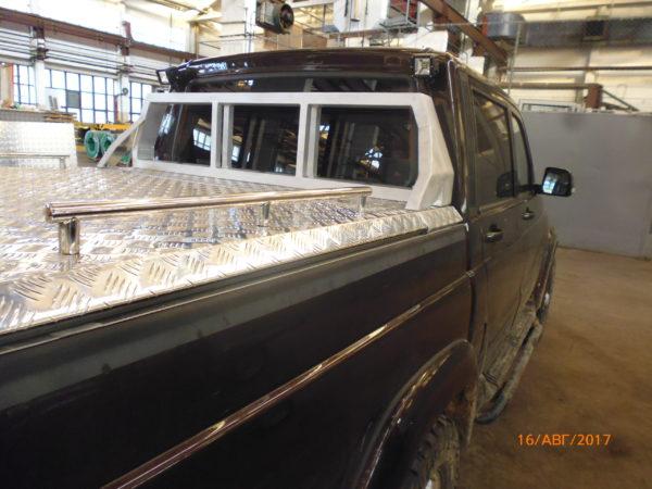 Крышка Triffid Trucks из алюминия на УАЗ пикап