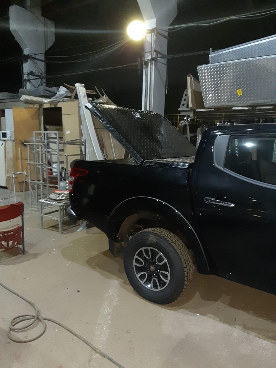 Крышка Triffid Trucks на пикап
